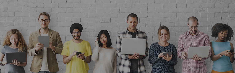 menschen-arbeiten-digital