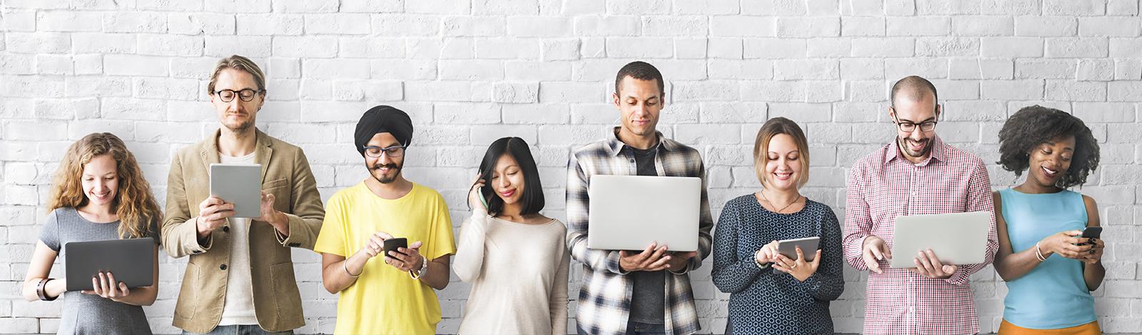 Menschen arbeiten Digital
